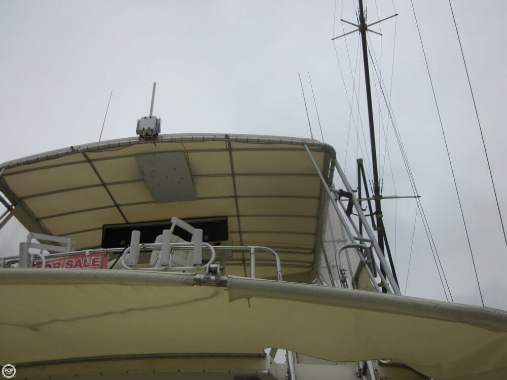 1982 Hatteras 55 Convertible - Photo #35