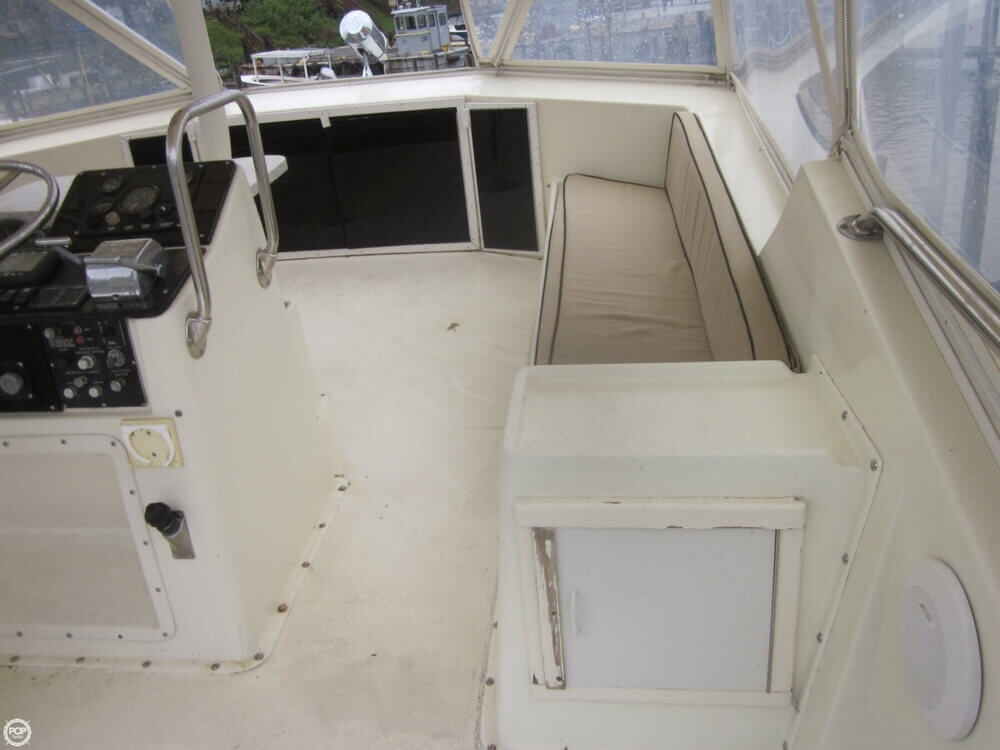 1982 Hatteras 55 Convertible - Photo #40