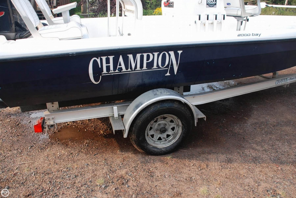 2001 Champion 2000 Bay Champ - Photo #20