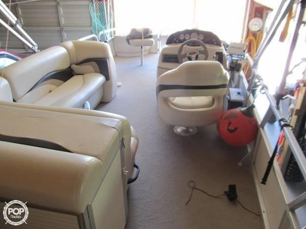 2009 Sun Tracker 21 Fishin Barge - Photo #3