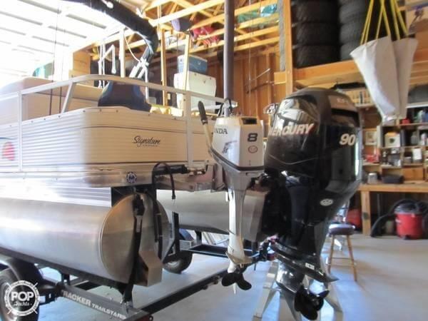 2009 Sun Tracker 21 Fishin Barge - Photo #11