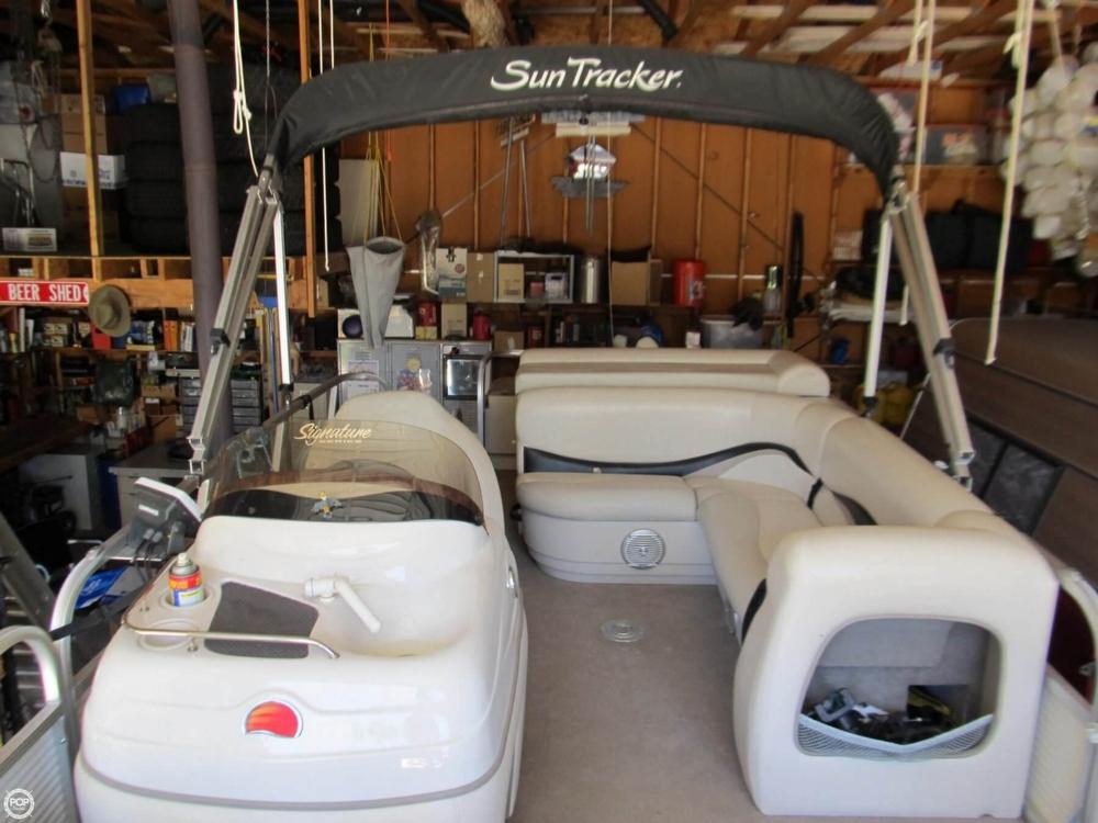 2009 Sun Tracker 21 Fishin Barge - Photo #15