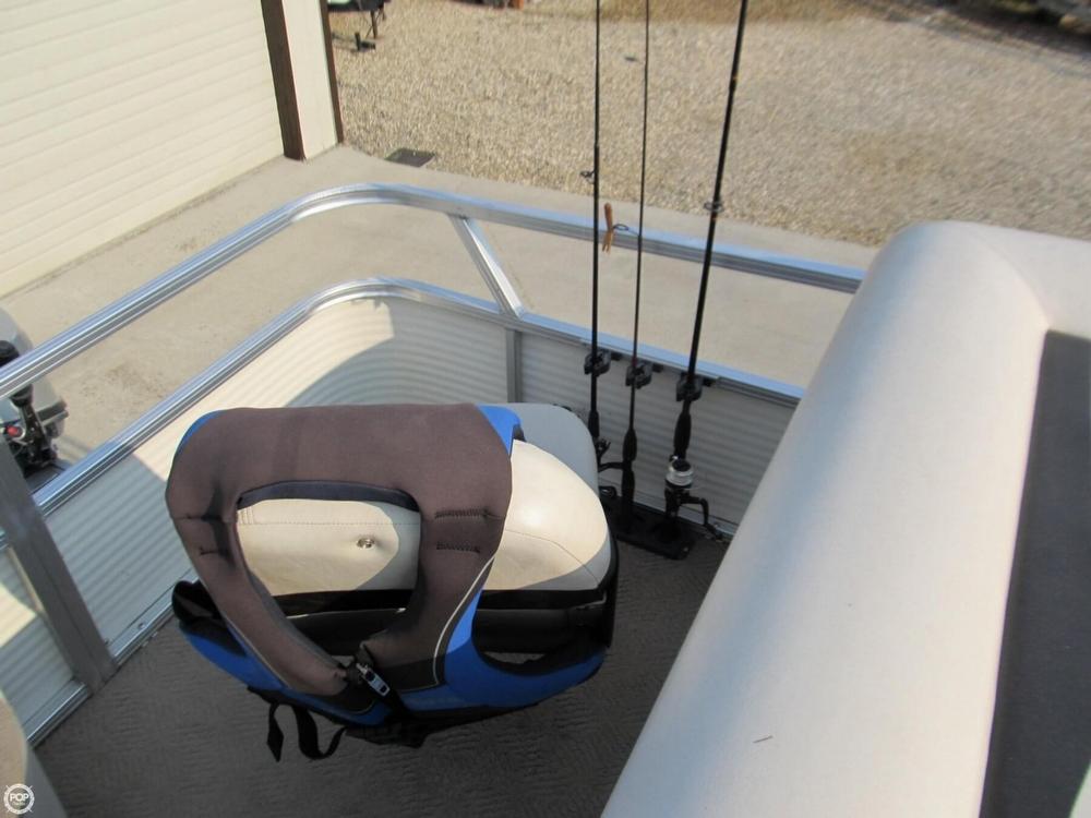 2009 Sun Tracker 21 Fishin Barge - Photo #20