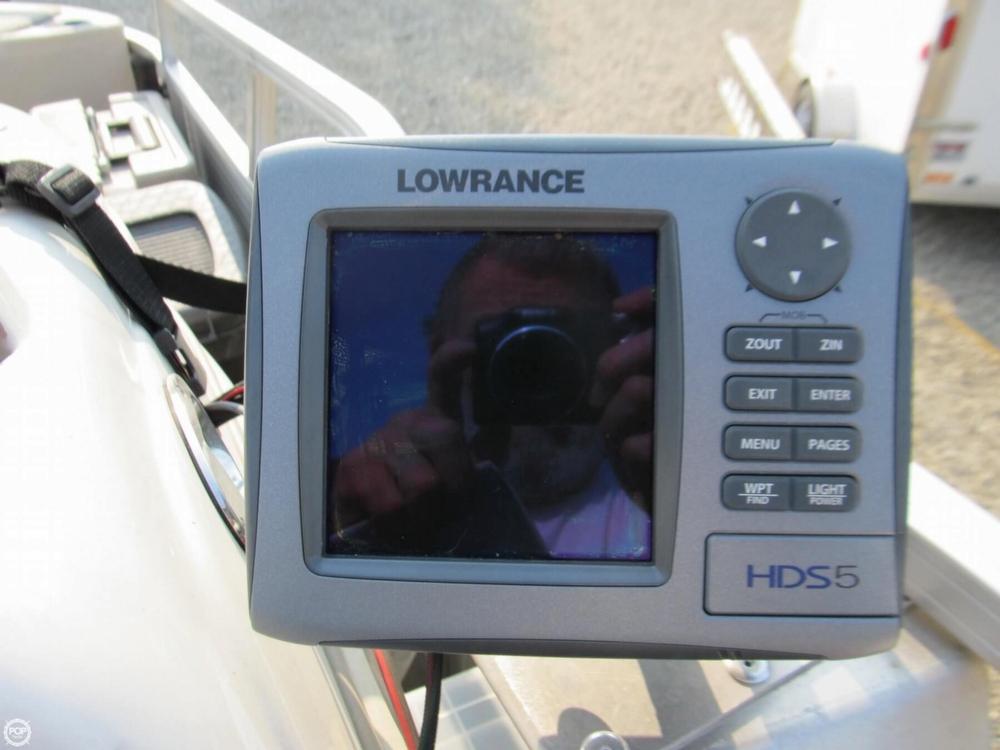 2009 Sun Tracker 21 Fishin Barge - Photo #22
