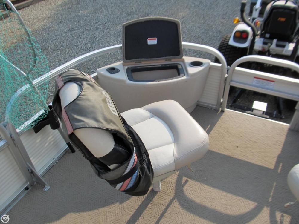 2009 Sun Tracker 21 Fishin Barge - Photo #24