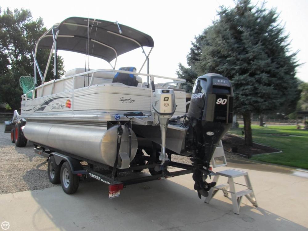 2009 Sun Tracker 21 Fishin Barge - Photo #27