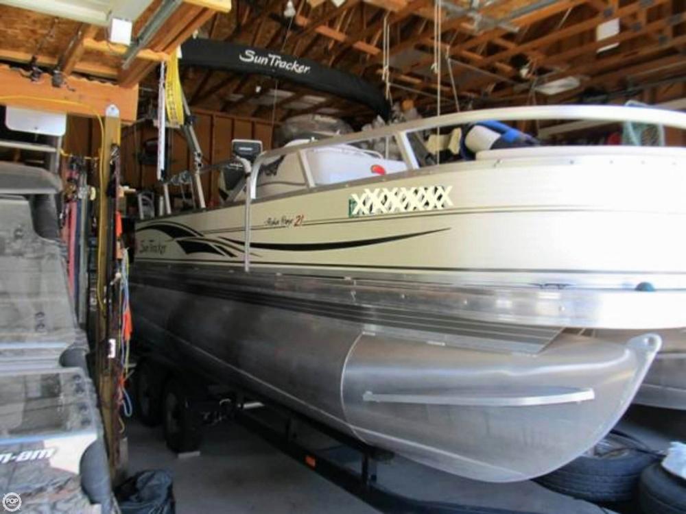 2009 Sun Tracker 21 Fishin Barge - Photo #9