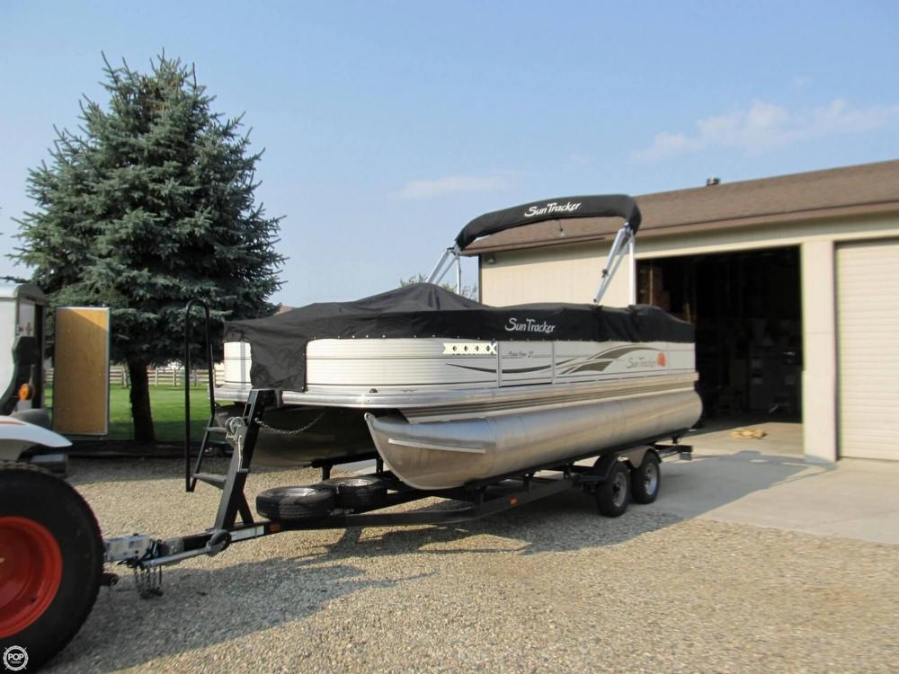 2009 Sun Tracker 21 Fishin Barge - Photo #6