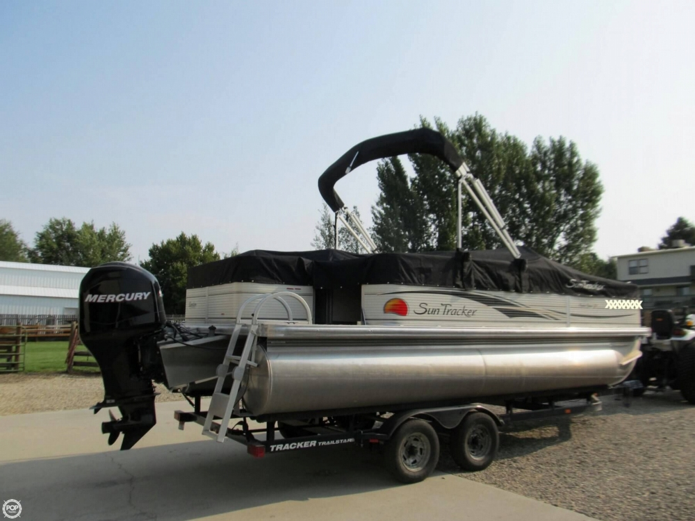2009 Sun Tracker 21 Fishin Barge - Photo #7