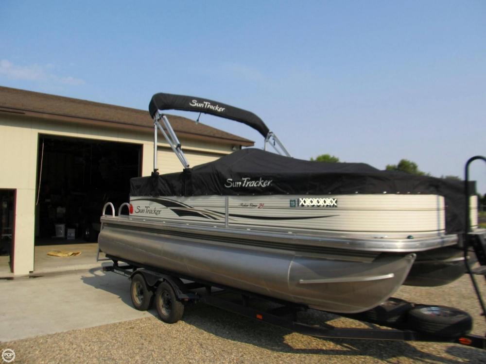 2009 Sun Tracker 21 Fishin Barge - Photo #8
