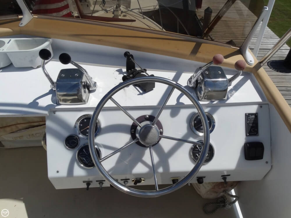 1967 Egg Harbor 37 Vintage Motor Yacht - Photo #10