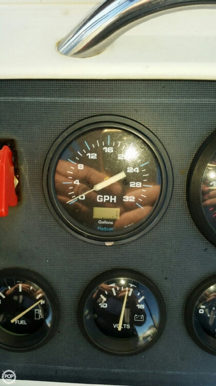 1995 Wellcraft 238 Center Console - Photo #9