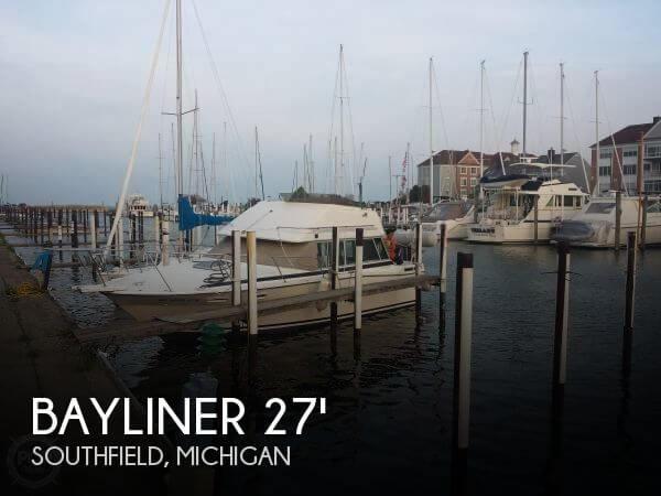 1985 Bayliner 2850 Command Bridge - Photo #1