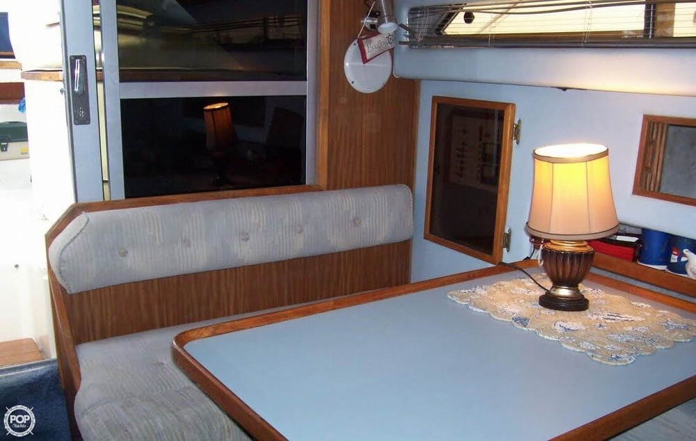 1987 Sea Ray 300 Weekender - Photo #15