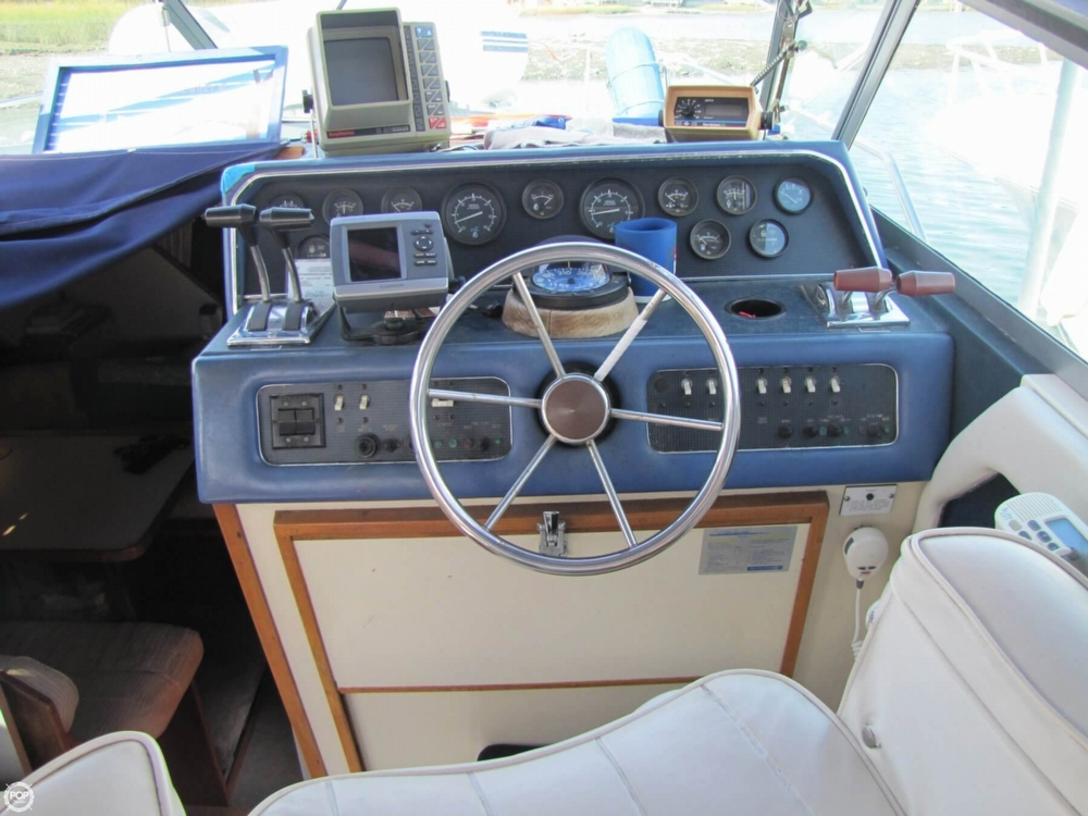 1987 Sea Ray 300 Weekender - Photo #31
