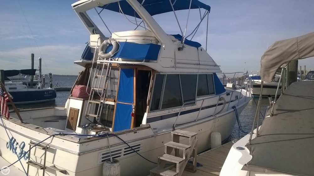 1987 Bayliner 3270 MY - Photo #4