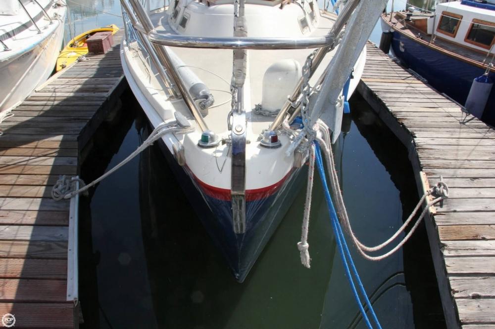 1974 Cal Yachts 30 - Photo #5