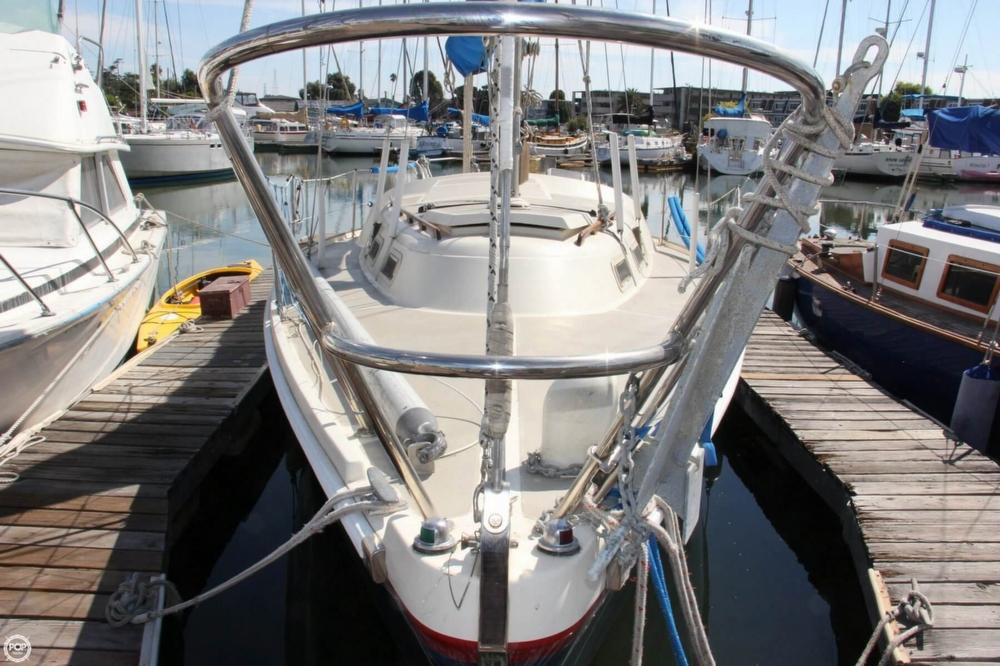 1974 Cal Yachts 30 - Photo #6