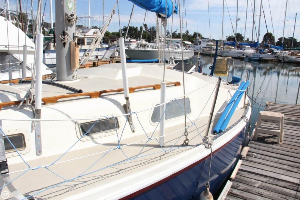 1974 Cal Yachts 30 - Photo #9