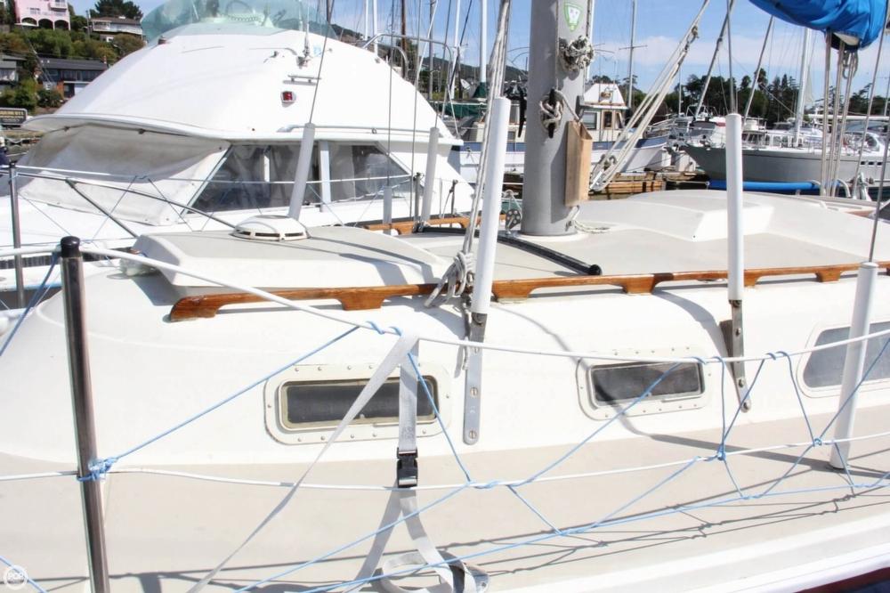 1974 Cal Yachts 30 - Photo #10