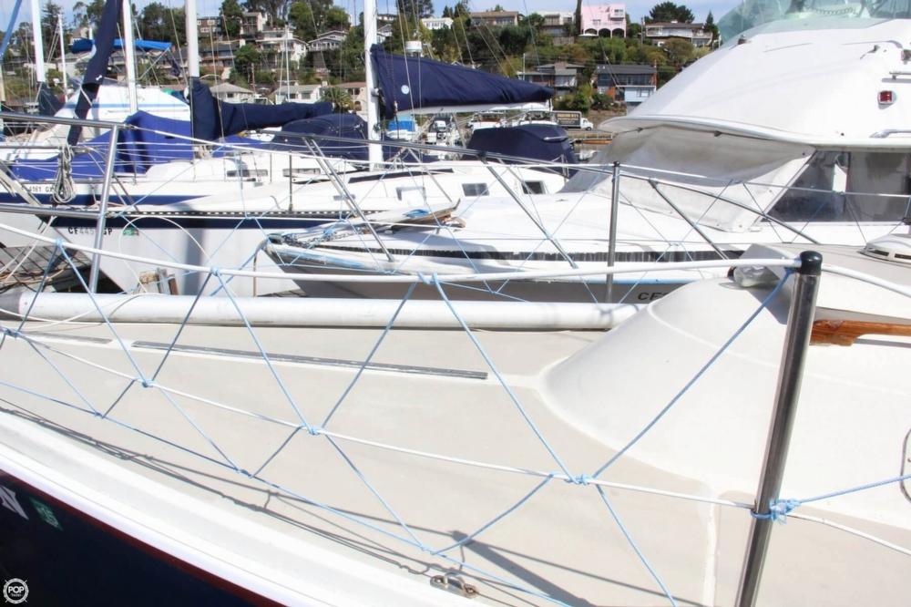 1974 Cal Yachts 30 - Photo #11