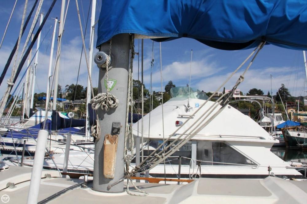 1974 Cal Yachts 30 - Photo #20