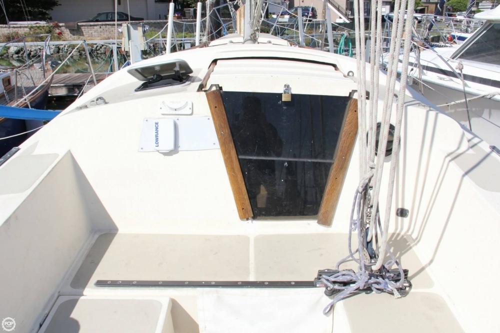 1974 Cal Yachts 30 - Photo #33