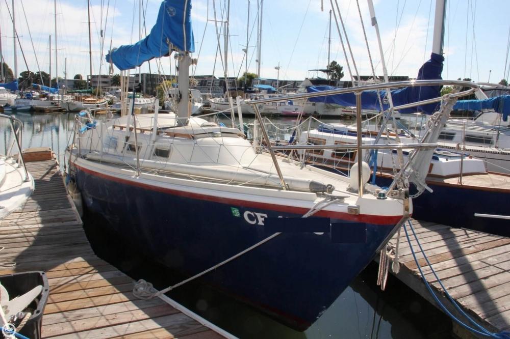 1974 Cal Yachts 30 - Photo #2