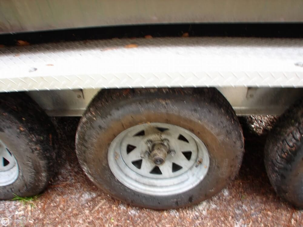 1989 Pursuit 2550 Cuddy Cabin - Photo #18