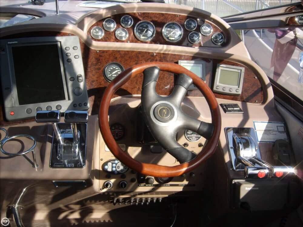 2002 Regal 3860 Commodore - Photo #18