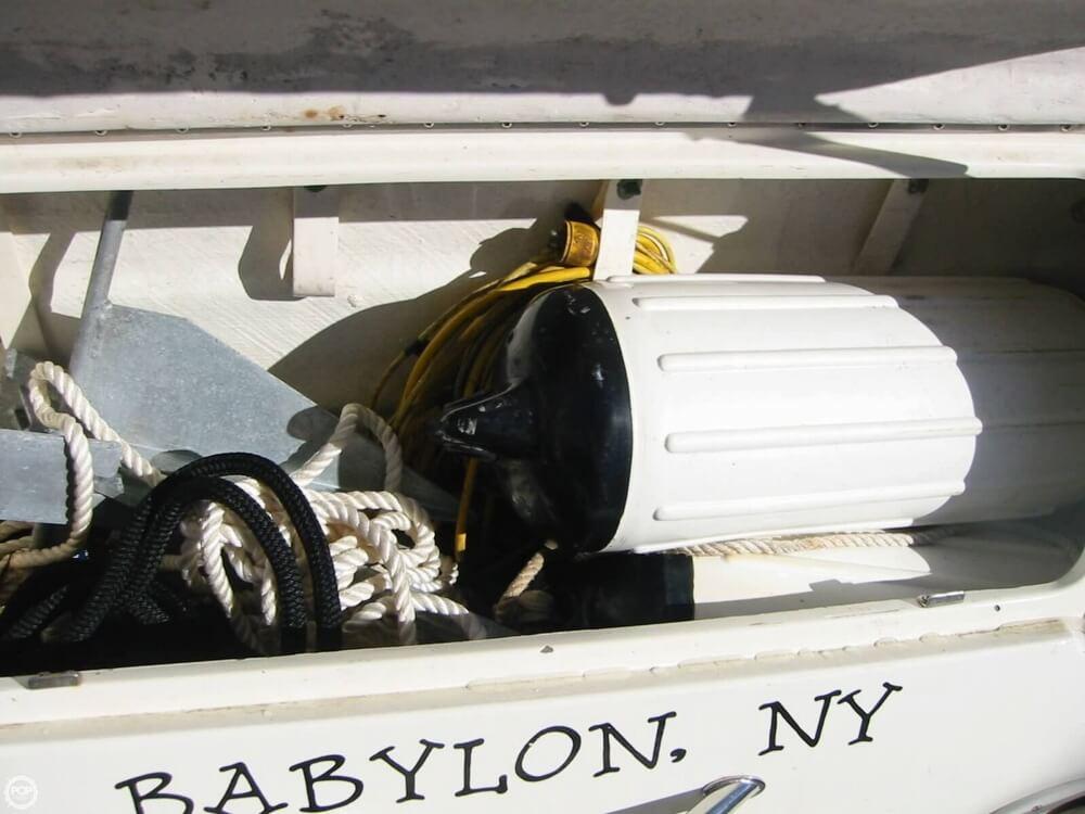 1998 Sea Ray 310 Sundancer - Photo #17