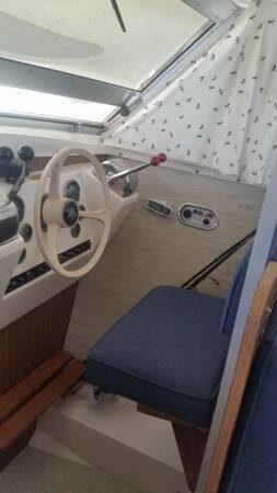 1974 Bertram 28 Flybridge Cruiser - Photo #9