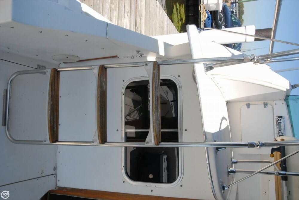 1974 Bertram 28 Flybridge Cruiser - Photo #40