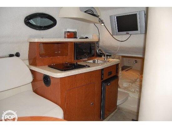 2005 Regal 2465 Commodore - Photo #2