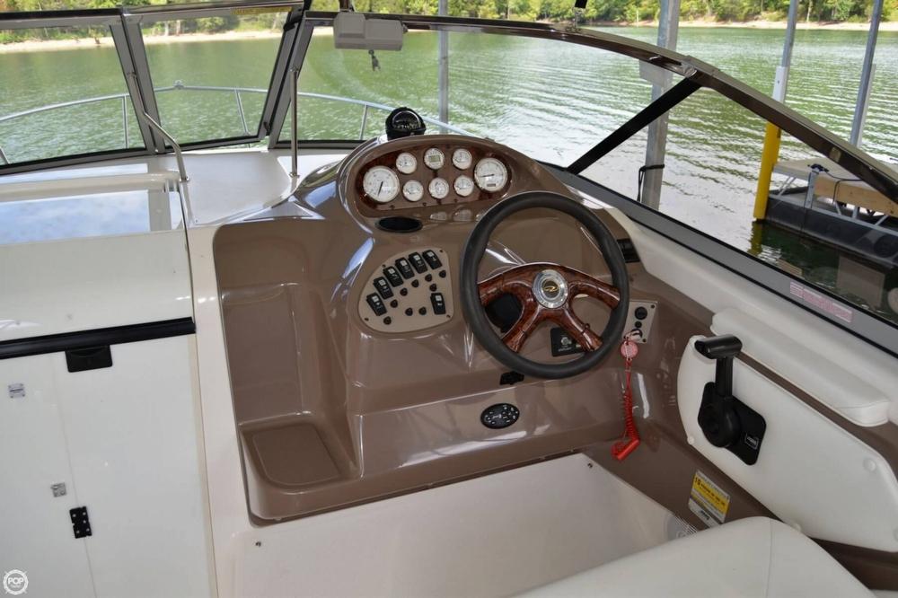 2005 Regal 2465 Commodore - Photo #8