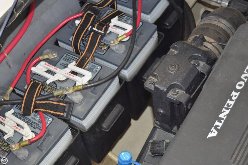 2005 Regal 2465 Commodore - Photo #11