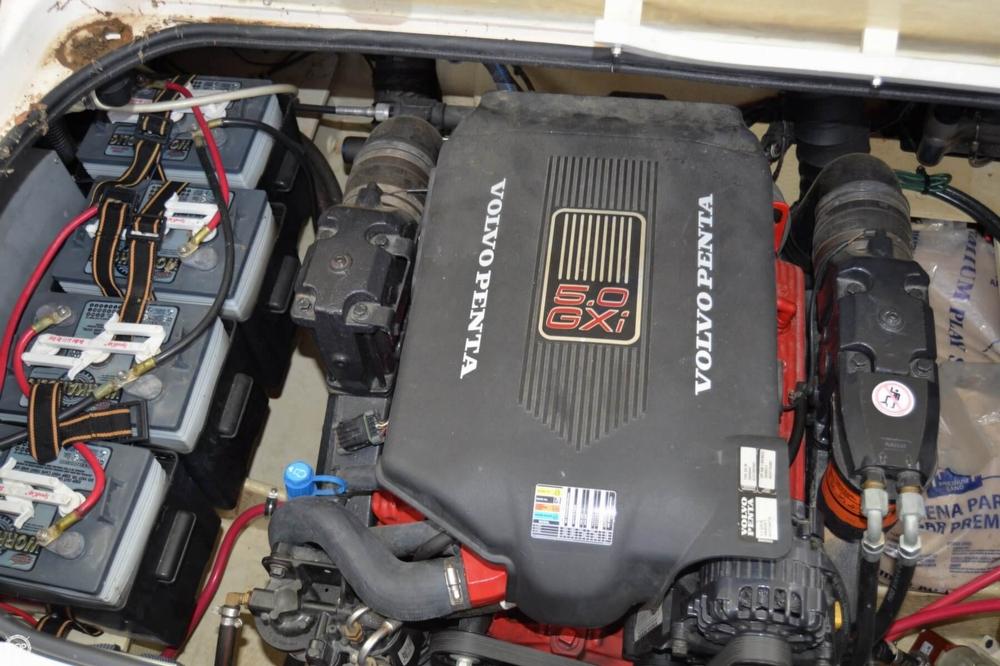 2005 Regal 2465 Commodore - Photo #13