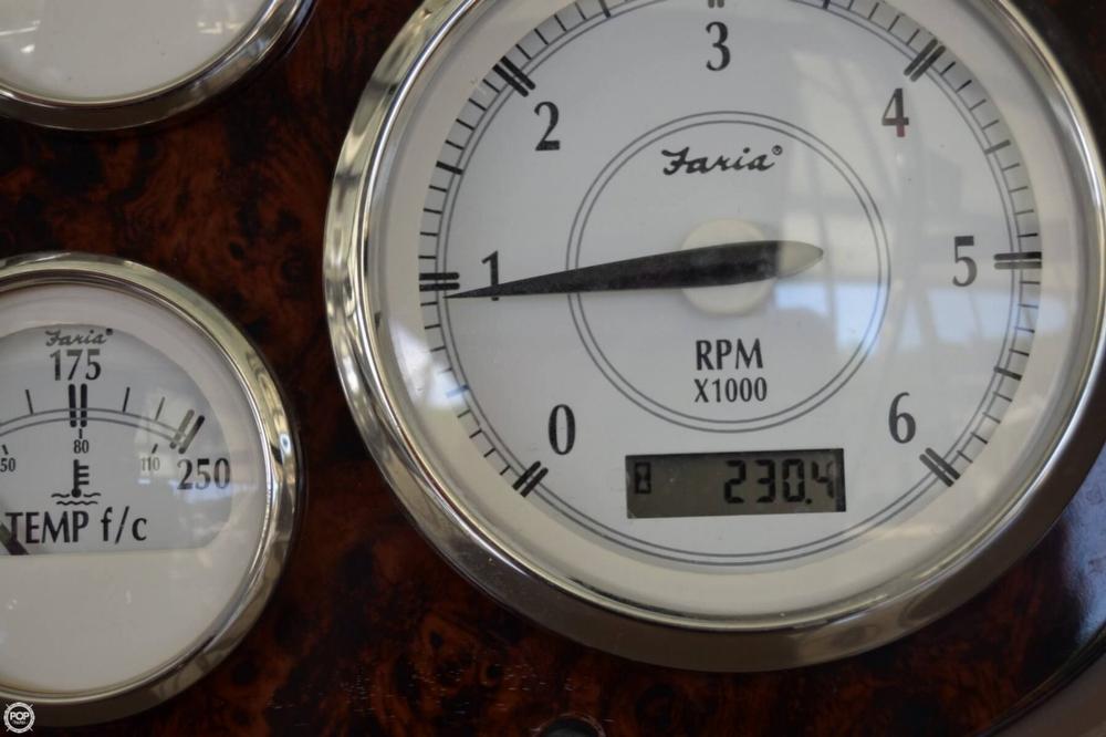 2005 Regal 2465 Commodore - Photo #14