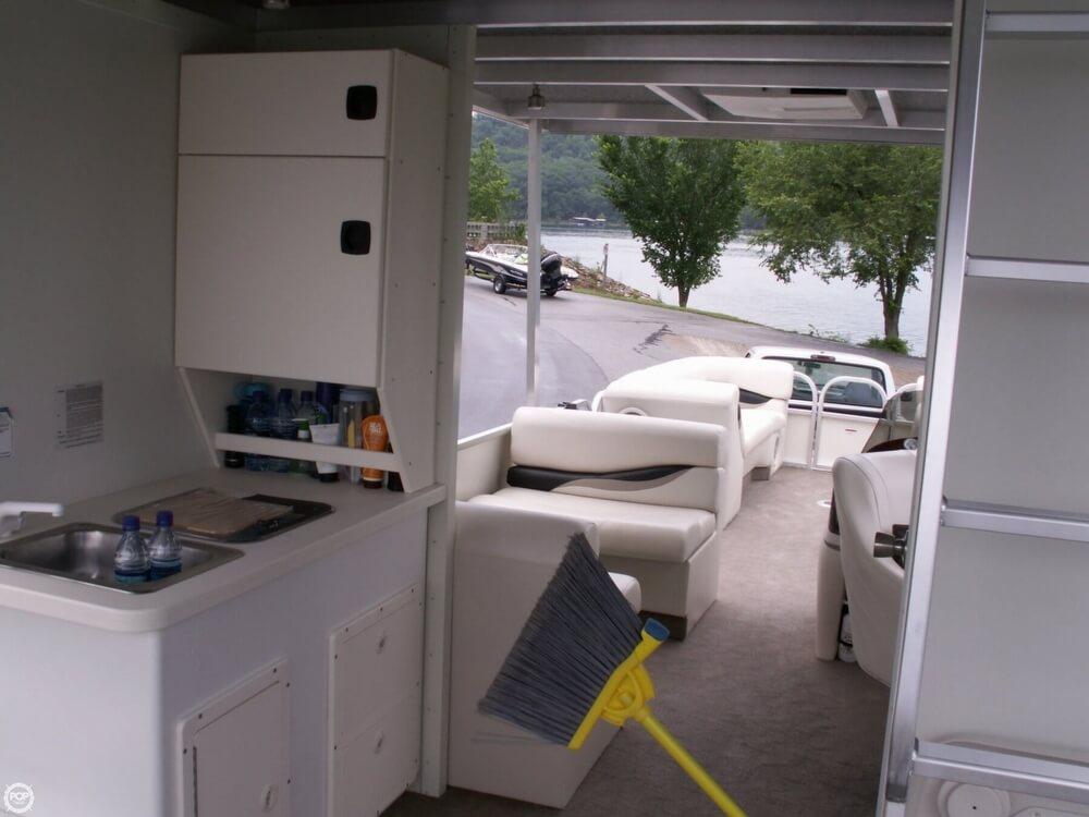 2007 Sun Tracker 30 Party Hut - Photo #8