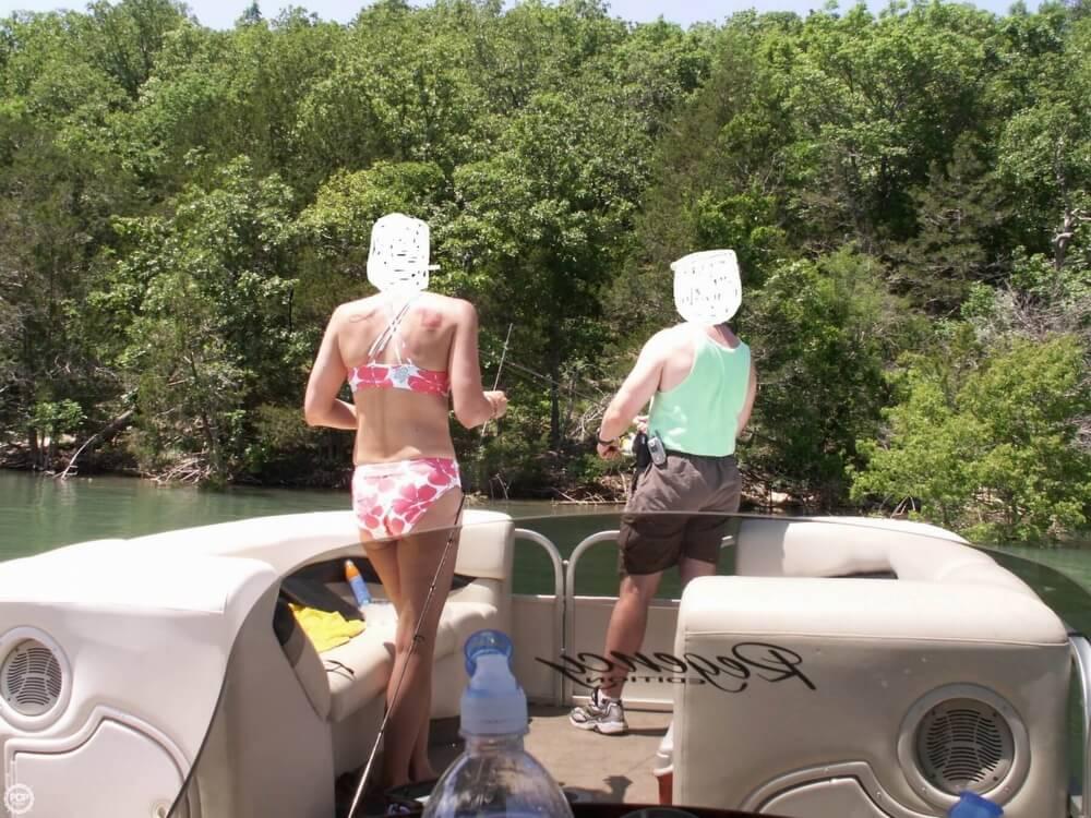 2007 Sun Tracker 30 Party Hut - Photo #13