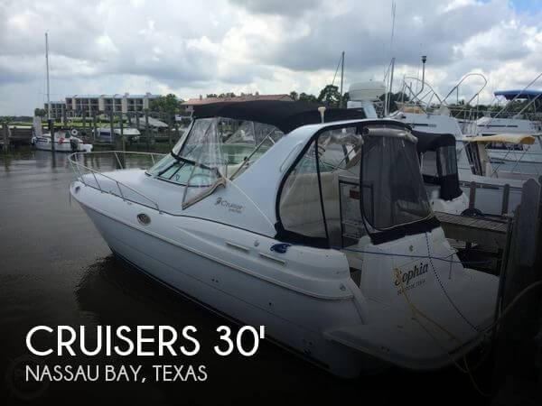 2000 Cruisers Yachts 3075 Express - Photo #1