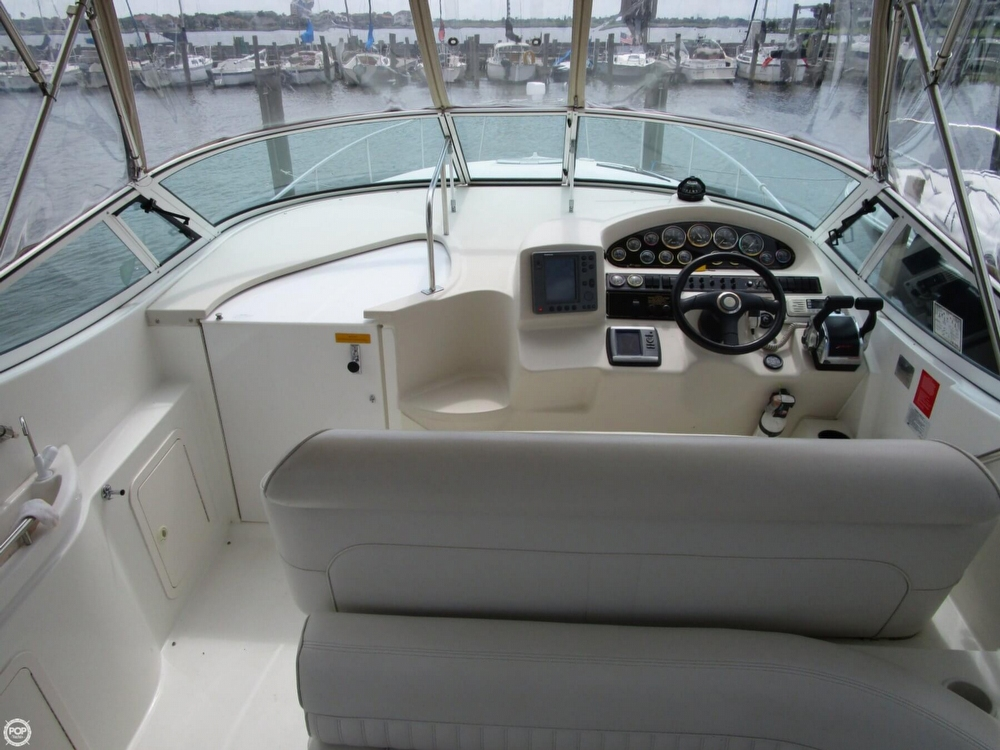 2000 Cruisers Yachts 3075 Express - Photo #6
