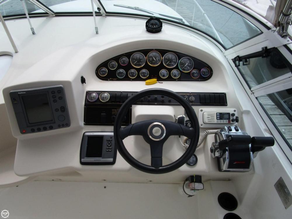 2000 Cruisers Yachts 3075 Express - Photo #8
