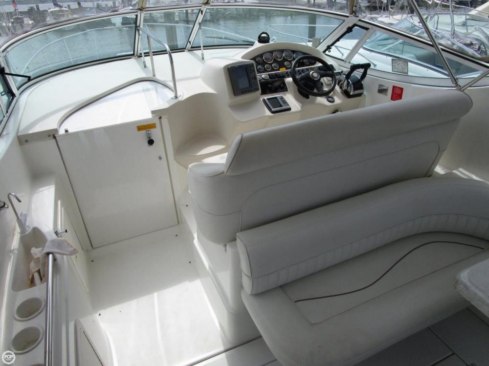 2000 Cruisers Yachts 3075 Express - Photo #29