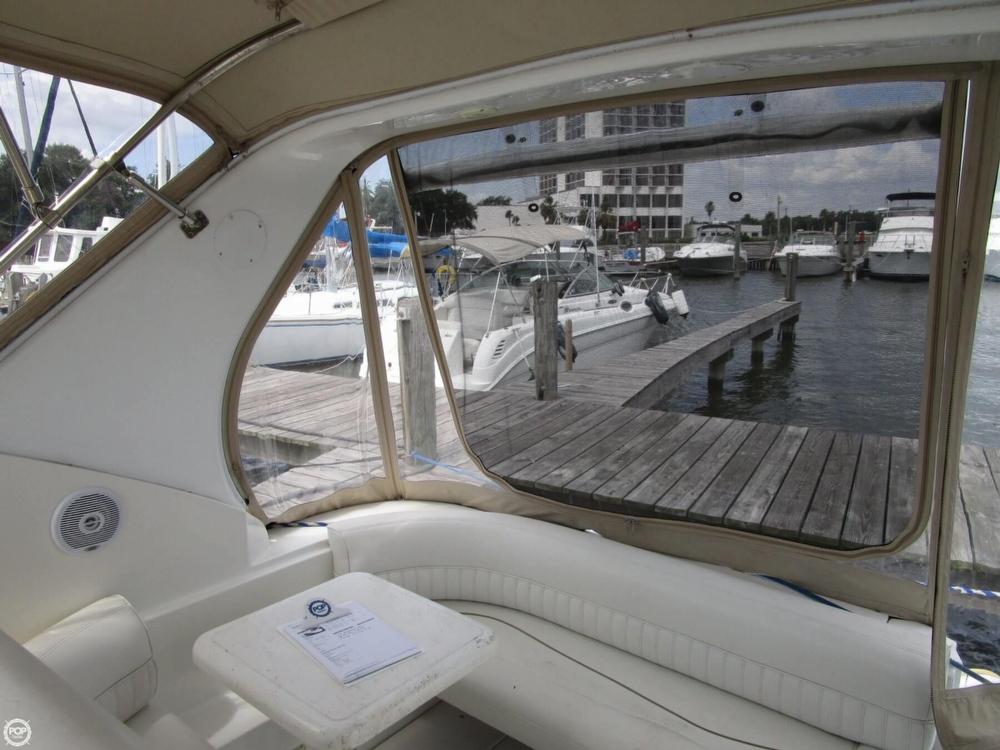 2000 Cruisers Yachts 3075 Express - Photo #30