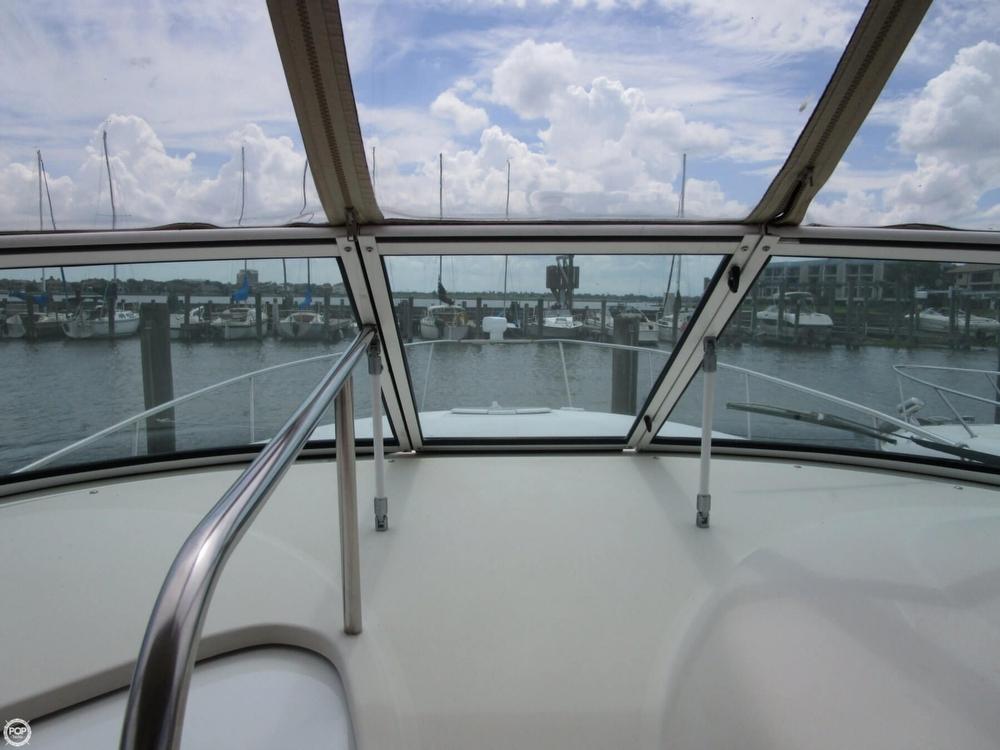 2000 Cruisers Yachts 3075 Express - Photo #39