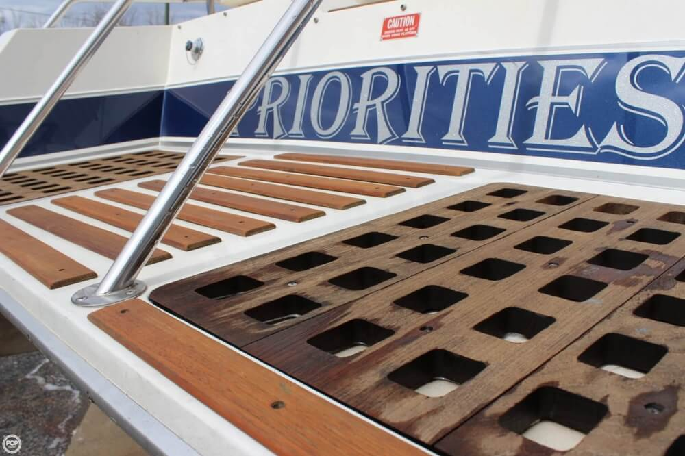 1986 Wellcraft boat for sale, model of the boat is 42 Excalibur Eagle & Image # 12 of 40