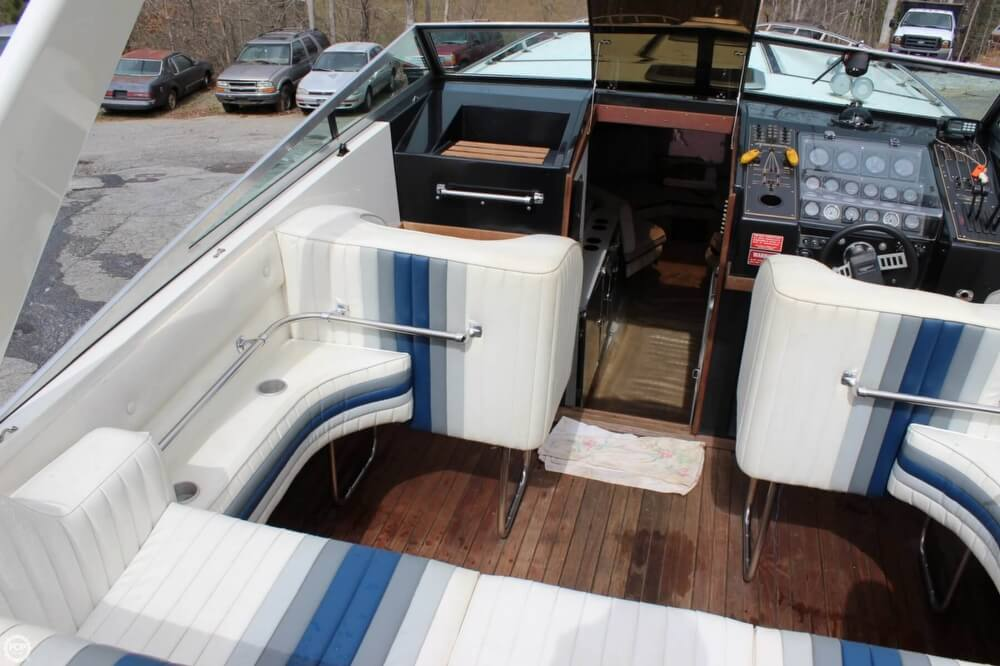 1986 Wellcraft boat for sale, model of the boat is 42 Excalibur Eagle & Image # 17 of 40