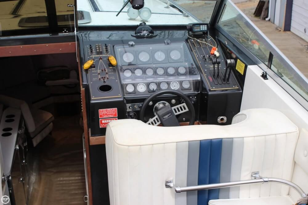 1986 Wellcraft boat for sale, model of the boat is 42 Excalibur Eagle & Image # 18 of 40
