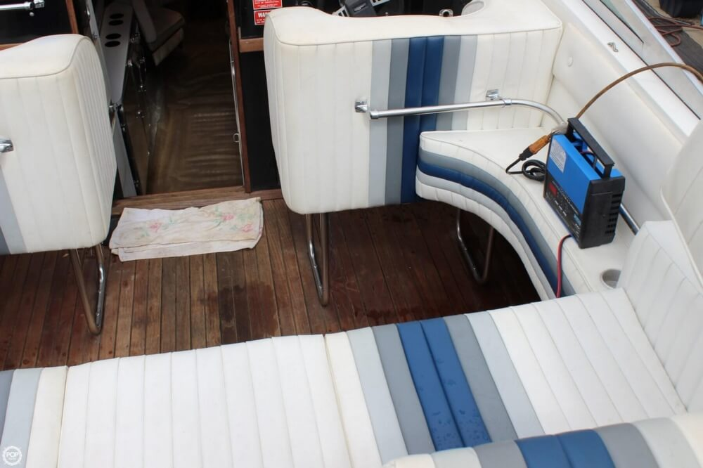 1986 Wellcraft boat for sale, model of the boat is 42 Excalibur Eagle & Image # 19 of 40